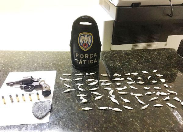 Apreensão de droga e arma em conhecido bar do Planalto