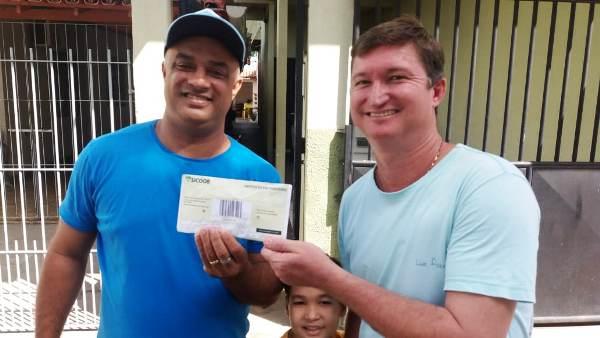 Caráter: Professor procura dono de envelope com R$ 1,5 mil