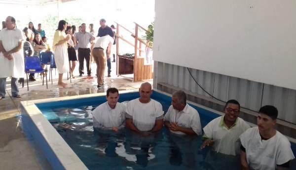 Compromisso de fé: 17 pessoas têm momento marcante no Palmital