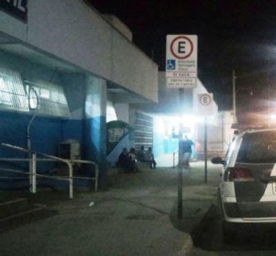 Noite e madrugada: três baleados e uma esfaqueada atendidos no HGL