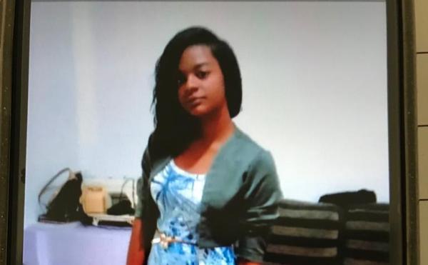 Estudante desaparecida após sair para a escola dá notícias de paradeiro