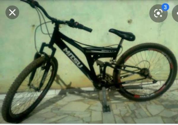 Bandido agride vítima com ripadas e rouba bicicleta em Linhares