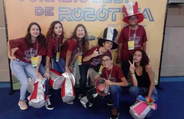 Projeto de estudantes de Linhares no maior torneio de robótica do país