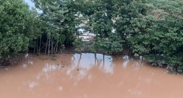 Alerta: Nível do Rio Doce pode chegar a 4,2 metros em Linhares nas próximas horas