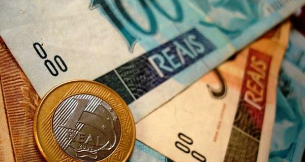 Projeto de educação financeira orienta famílias na organização de orçamento