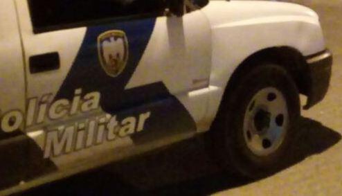 Movelar: Populares mobilizam e dão surra em jovem flagrado praticando furtos