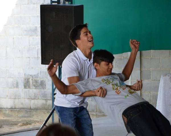 Veja o que aconteceu no acampamento de oração de jovens católicos, no Planalto