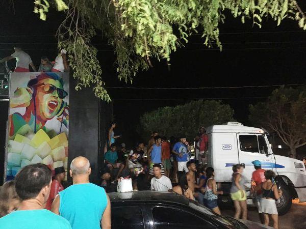 """Carnaval: """"Ninguém respeitou ninguém"""", diz comerciante do Pontal do Ipiranga"""