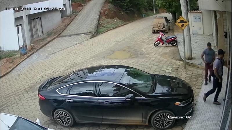 Veja ação de assaltantes durante roubo em Rio Bananal